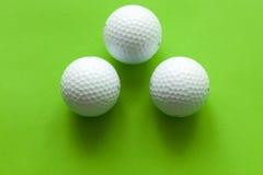 Sfera di golf bianca Fotografie Stock