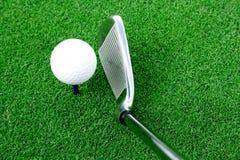 Sfera di golf e del randello di punto di vista schermo semi Fotografia Stock Libera da Diritti