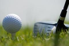 Sfera di golf e driver 2 Immagine Stock Libera da Diritti