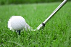 Sfera di golf e punto di vista 3 del randello Immagini Stock Libere da Diritti