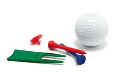 Sfera di golf, T, indicatore e strumento di riparazione del Divot Fotografia Stock Libera da Diritti