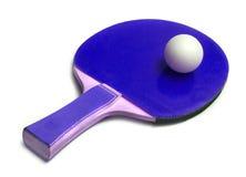 Sfera di Ping-pong sulla racchetta Fotografia Stock Libera da Diritti