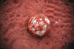 Sfera di softball o di baseball Fotografie Stock Libere da Diritti