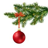 Sfera di vetro rossa sull'albero di Natale Fotografia Stock Libera da Diritti