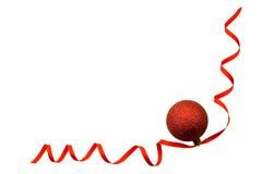 Sfera rossa sul nastro rosso Fotografie Stock