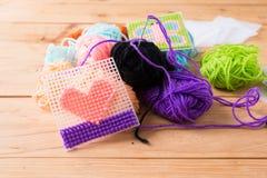 Sfere colorate di filato Colori del Rainbow Fotografia Stock