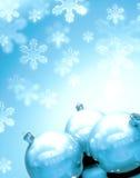 Sfere di Christmass con neve Fotografia Stock