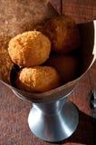 Sfere fritte del formaggio Fotografie Stock