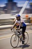 Sfida domenica - del ciclo quantità di moto 94.7 Fotografia Stock