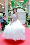 Sfilata di moda dei vestiti da sposa Immagini Stock