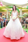 Sfilata di moda dei vestiti da sposa Fotografia Stock Libera da Diritti