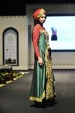 Sfilata di moda musulmana in Indonesia Fotografie Stock Libere da Diritti