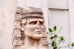 Sfinx av den gamla murverktemplet i Tenerife Arkivfoton