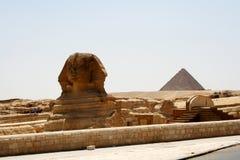 Sfinx en piramide Chefren Stock Afbeelding