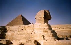 Sfinx en piramide. Egypte Stock Foto's