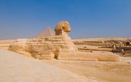 Sfinx en piramides in Giza, Kaïro Royalty-vrije Stock Foto
