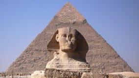 Sfinx och pyramid. Egypten Arkivbilder