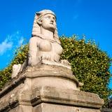 Sfinxbeeldhouwwerk in Parijs Stock Foto