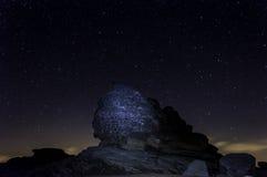 Sfinxen av Bucegi, i den Bucegi platån Arkivfoto