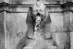 Sfinxskulptur på en parisian springbrunn Royaltyfri Fotografi