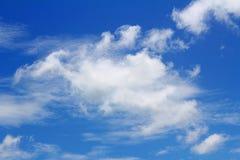 Sfondo naturale con la nuvola del cielo blu Immagine Stock Libera da Diritti