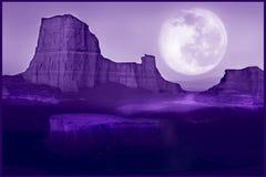 Sfondo naturale ultravioletto Paesaggio lunare del deserto Colore dell'anno 2018 Fotografie Stock