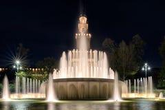 Sforza城堡和喷泉在米兰,意大利 免版税库存图片