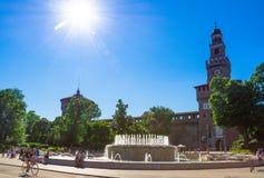 Sforza slott Castello Sforzesco i Milan, Italien på Juli 03, 2017 Arkivbilder