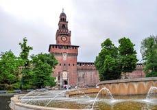 Sforzakasteel Castello Sforzesco in Milaan, Italië stock foto's