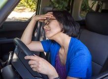 Sfrustowana Kobieta w Samochodzie w Ruch drogowy Dżemu Fotografia Royalty Free