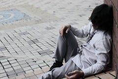 Sfrustowany zaakcentowany młody Azjatycki biznesowego mężczyzna uczucie próbujący lub rozczarowywający z pracą zdjęcia royalty free