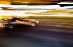 Sfuocatura commovente dell'automobile immagini stock libere da diritti