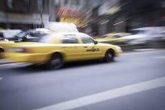 Sfuocatura del taxi di New York Fotografia Stock Libera da Diritti