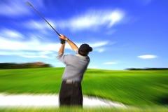 Sfuocatura dell'oscillazione del giocatore di golf Fotografia Stock Libera da Diritti