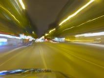 Sfuocatura di un'automobile di accelerazione Fotografie Stock