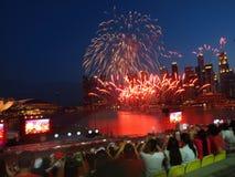 SG50 - Fogos-de-artifício do dia nacional de Singapura! Fotografia de Stock Royalty Free