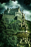 Sguardo d'annata del castello di Edimburgo Fotografie Stock