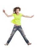 Il salto della giovane donna sorpreso Fotografie Stock