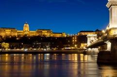 Sguardo più attento di Buda Castle e del ponte a catena, Budapest, Ungheria Fotografia Stock Libera da Diritti