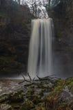 Sgwd Henrhyd vattenfall Högst vattenfall i södra Wales, UK seger Fotografering för Bildbyråer