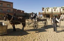 Shérif et son député avec un chariot Photo stock