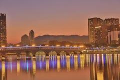 Sha Tin Festive Lighting à la rivière Photo stock