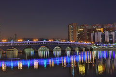 Sha Tin Festive Lighting à la rivière Images stock