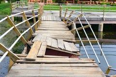 The shabby wooden bridge Royalty Free Stock Photos