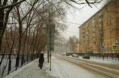 Shabolovka gata i vinter Arkivfoton