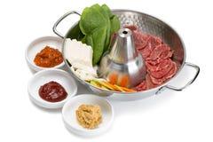 Shabu-shabu populär maträtt av tunt skivat rått nytt kött Royaltyfri Bild