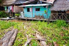 Shack coloré en Amazone colombienne Images stock
