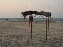Shack vide, plage de Redi Image libre de droits