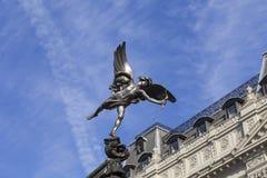 Shaftesbury纪念喷泉,一个神话图Anteros,皮卡迪利广场,伦敦,英国的雕象 免版税库存照片