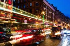 Shaftesbury-Allee in London, Großbritannien, nachts Lizenzfreies Stockbild